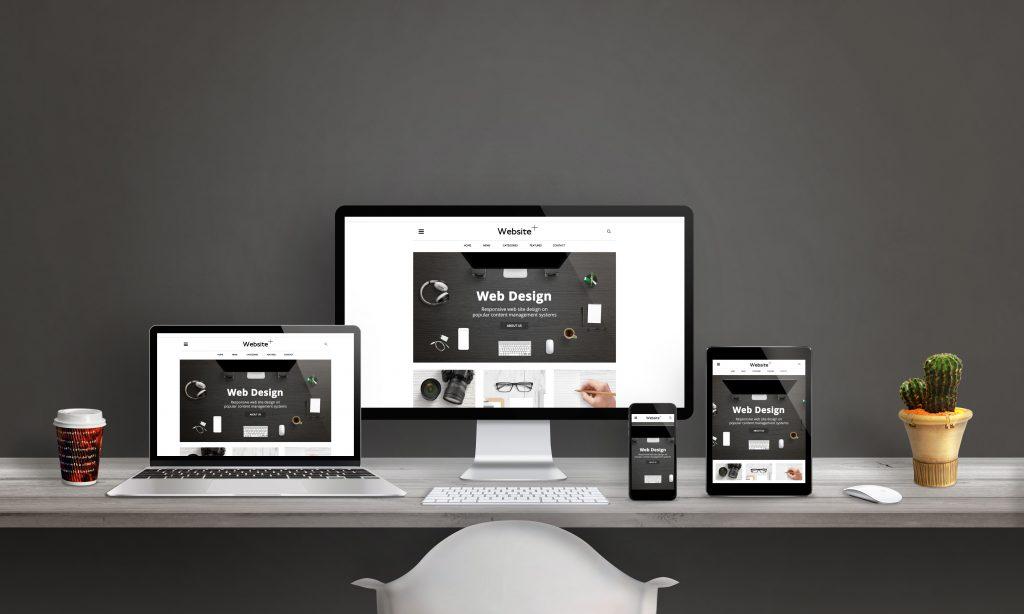 Bureau et ordinateur de KR project